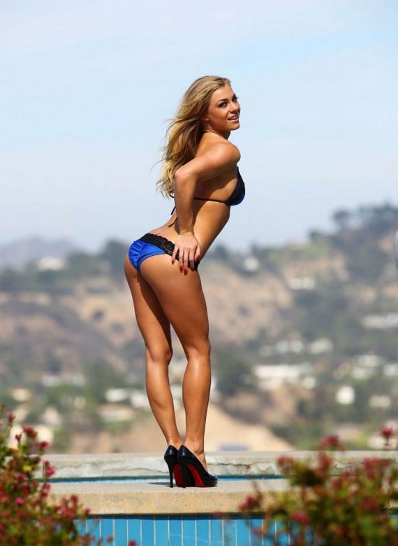 Nikki-Leigh-Bikini-PhotoShoot-