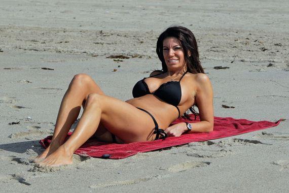 Pia-Rizza-in-Black-Bikini-08