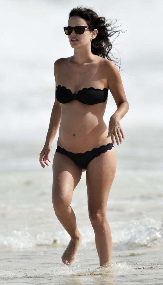 Rachel-Bilson-black-bikini
