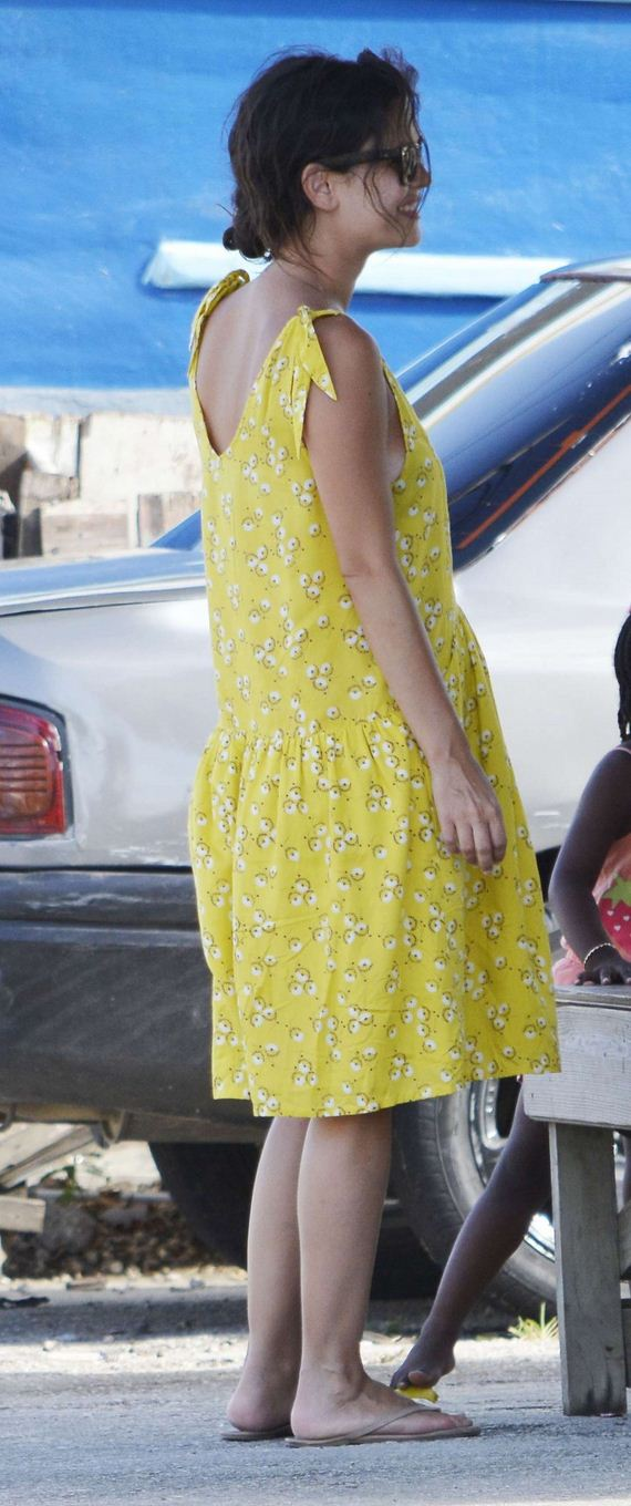 Rachel-Bilson-in-yellow-dress