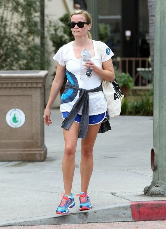 Reese-Witherspoon-out-in-Brentwood