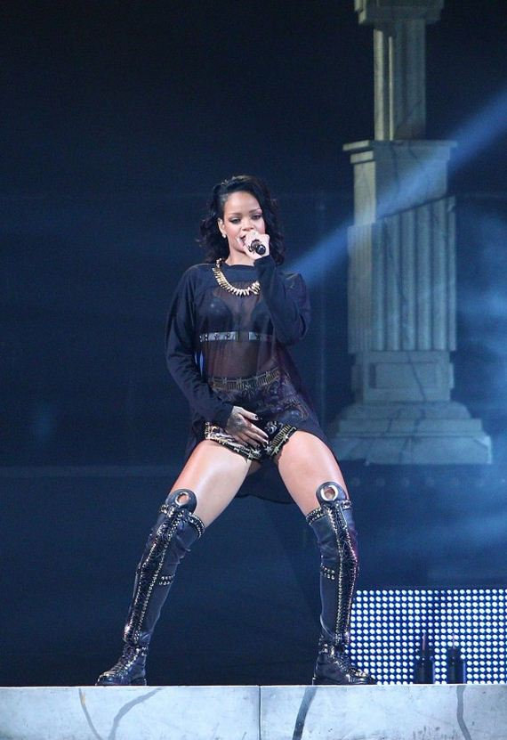 Rihanna -Performance-in-New-Orleans