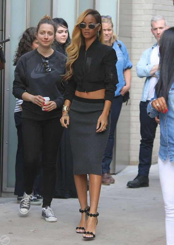 Rihanna---Filming-a-commercia