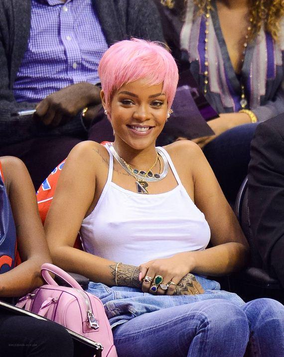 Rihanna-411