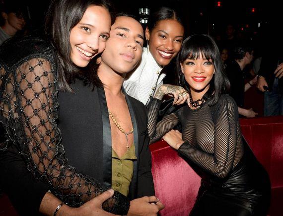 Rihanna-Big-Boobs-Flashing