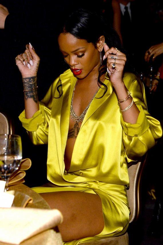 Rihanna-GRAMMY-2014-Clive-Davis-Pre-Grammy