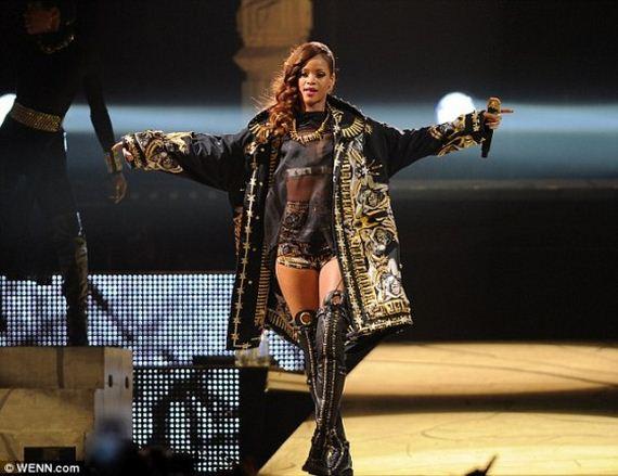 Rihanna-at-the-BBT-Center