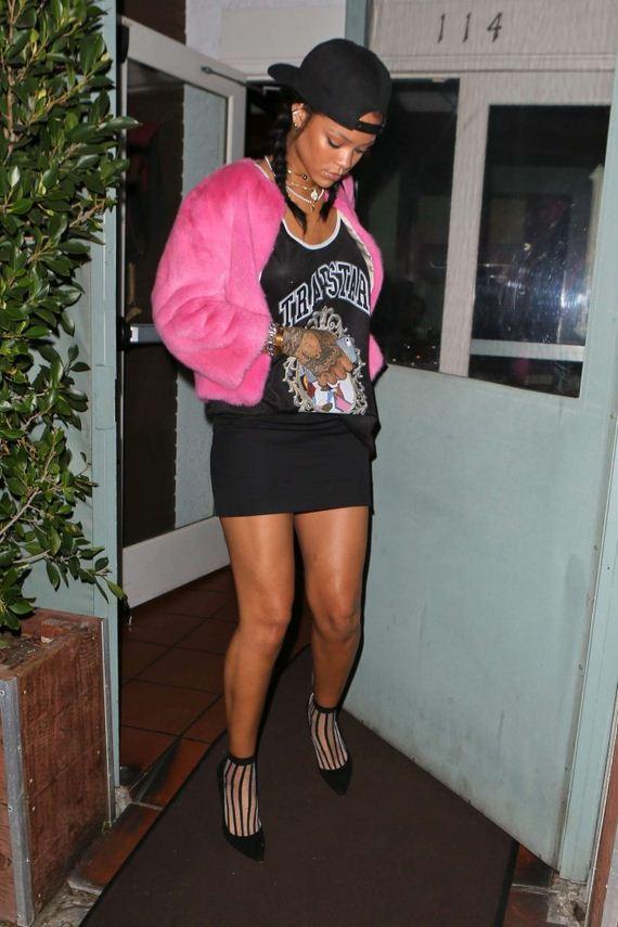 Rihanna-in-Mini-Skirt