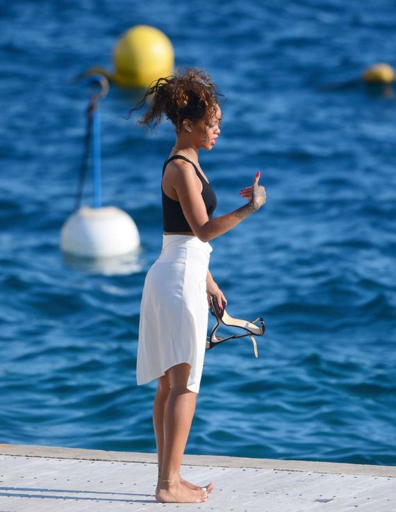Rihanna-in-White-Skirt