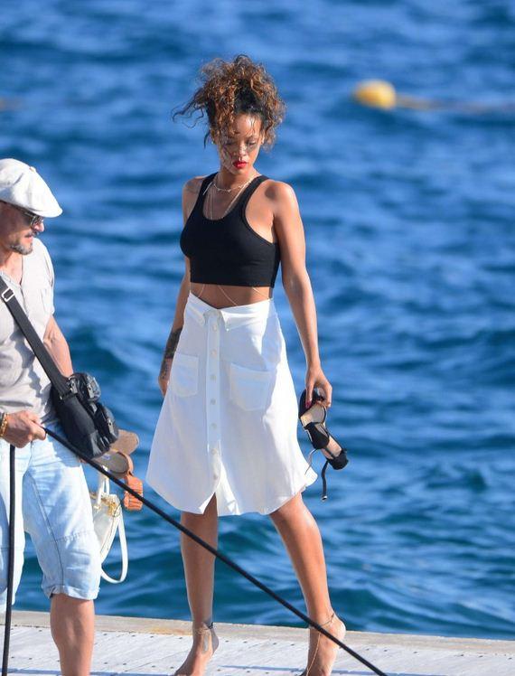 Rihanna-in-White-Skirt