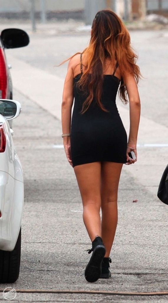 Rihanna-in-tight-dress