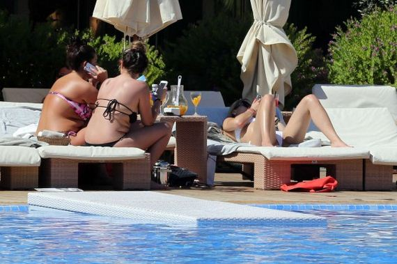 Rita-Ora-in-bikini