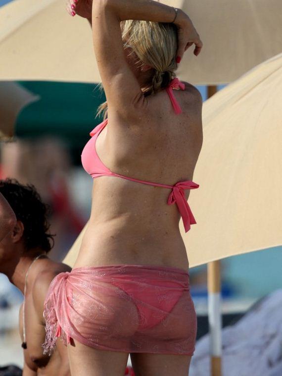 Rita-Rusic---Bikini-Candids-on-Miami