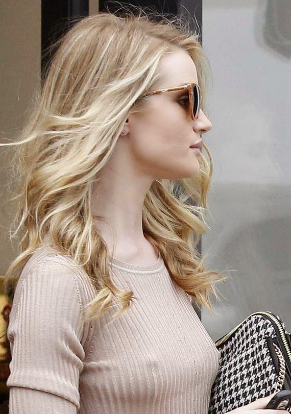 Rosie-Huntington-Whiteley-nipple