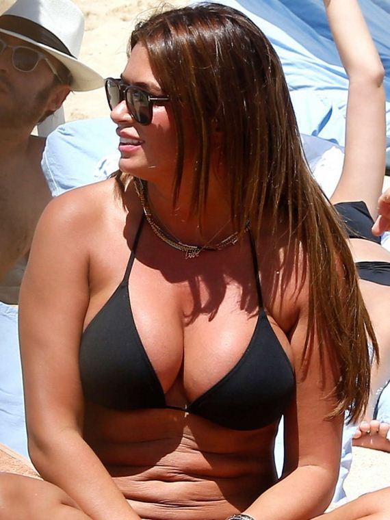 Sabia-Bouhlahrouz-in-a-Black-Bikini
