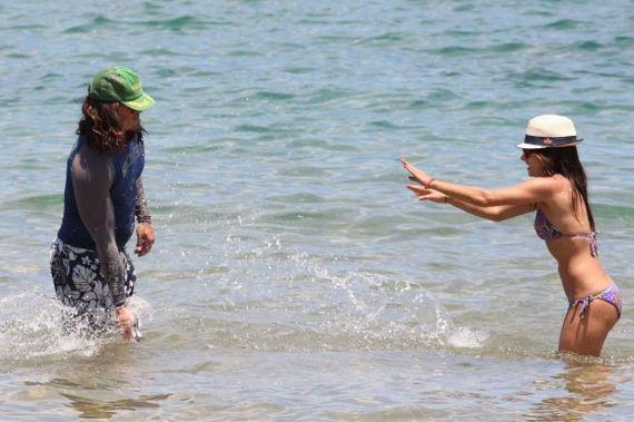 Sarah-Shahi-in-bikini-at-the-beach