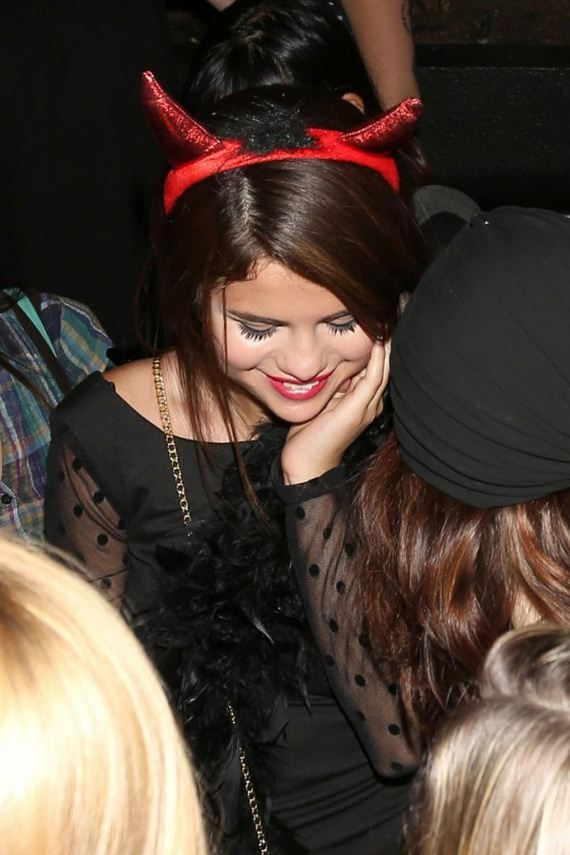 Selena-Gomez---at-the-Roosevelt-hotel-in-Los