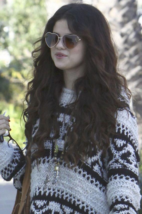 Selena-Gomez-Leggy-out-in-LA
