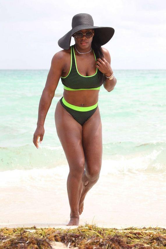 Serena-Williams-in-Bikini