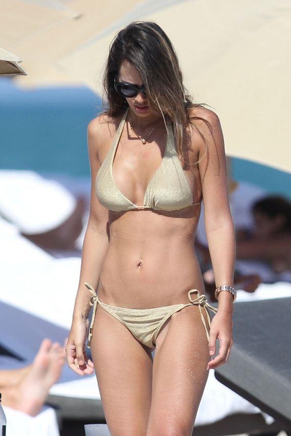 Miami beach topless big black titty - 3 part 6