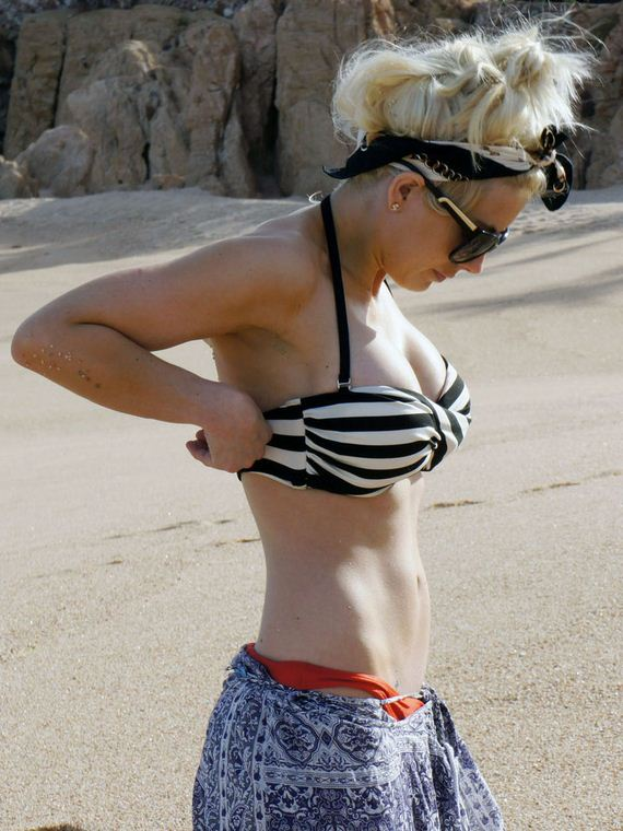 Shayne-Lamas-in-a-Bikini-Top-in-Cabo