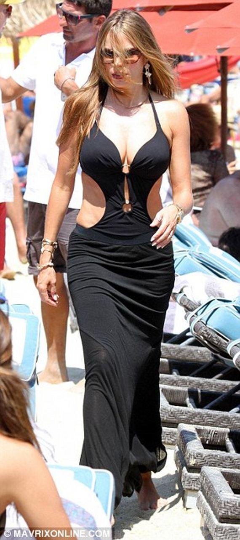 Sofia-Vergara---Bikini-in-Greece