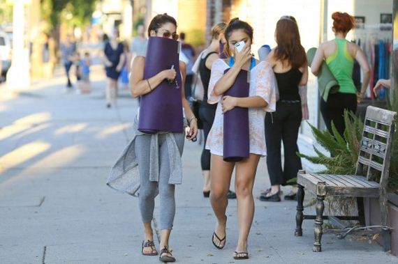 Stella-and-Vanessa-Hudgens-leaving