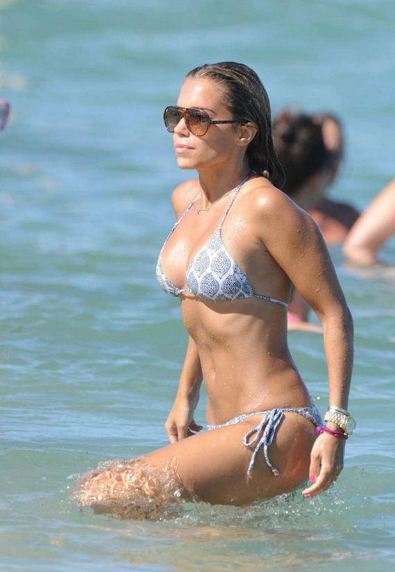 Sylvie-van-der-Vaart-in-Bikini