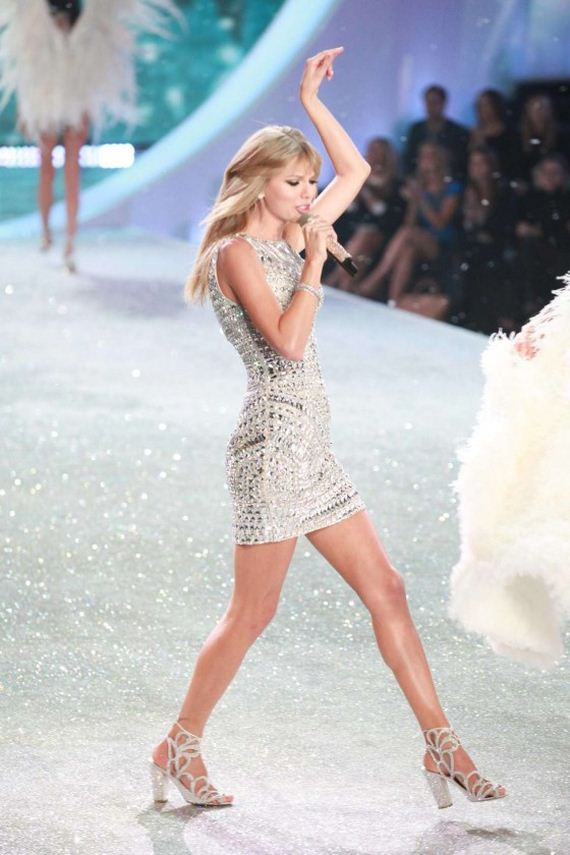 Taylor-Swift -2013-VS-Fashion-Show