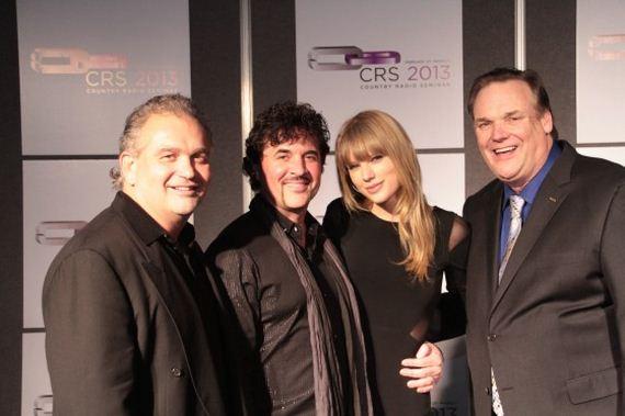 Taylor-Swift-Country-Radio-Seminar
