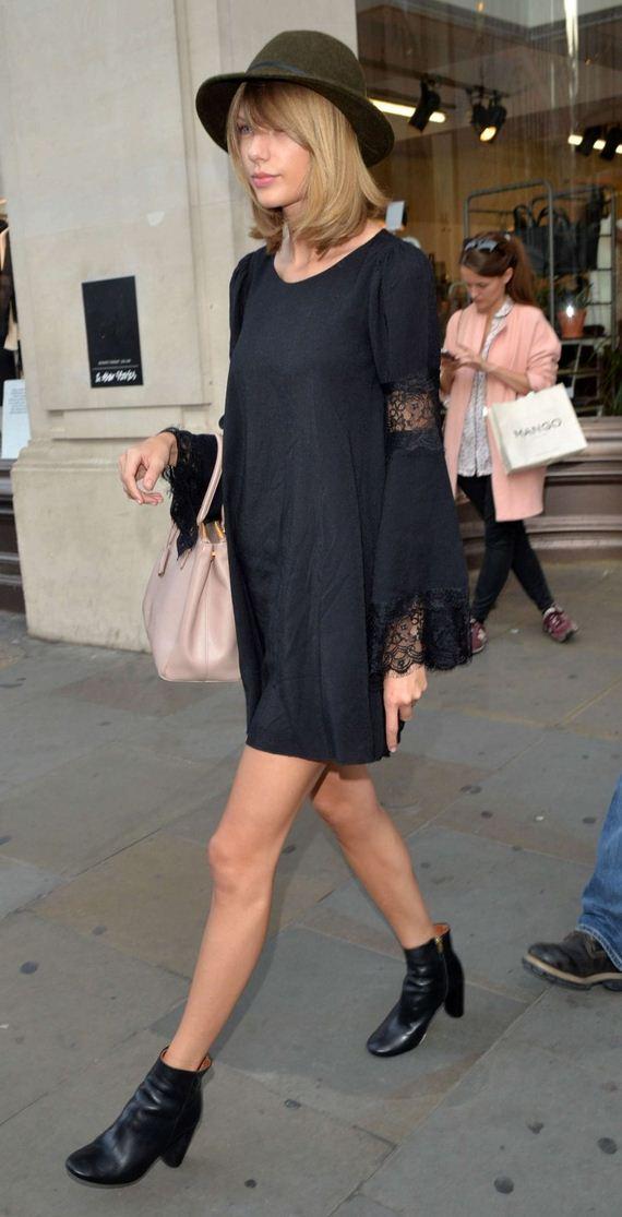 Taylor-Swift-in-a-black-mini-dress-1