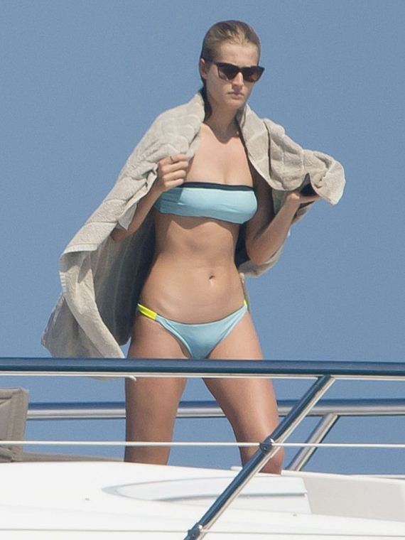 Toni-Garrn-in-a-Bikini-in-Saint