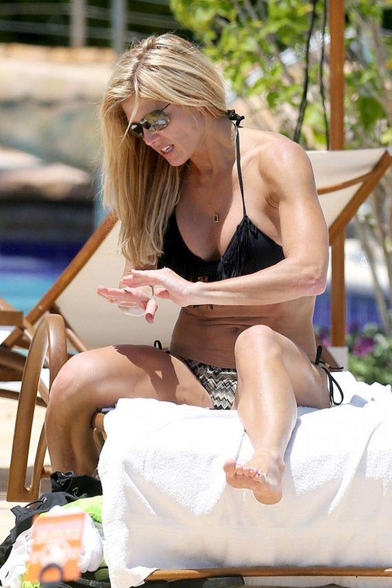 Torrie-Wilson-In-Bikini