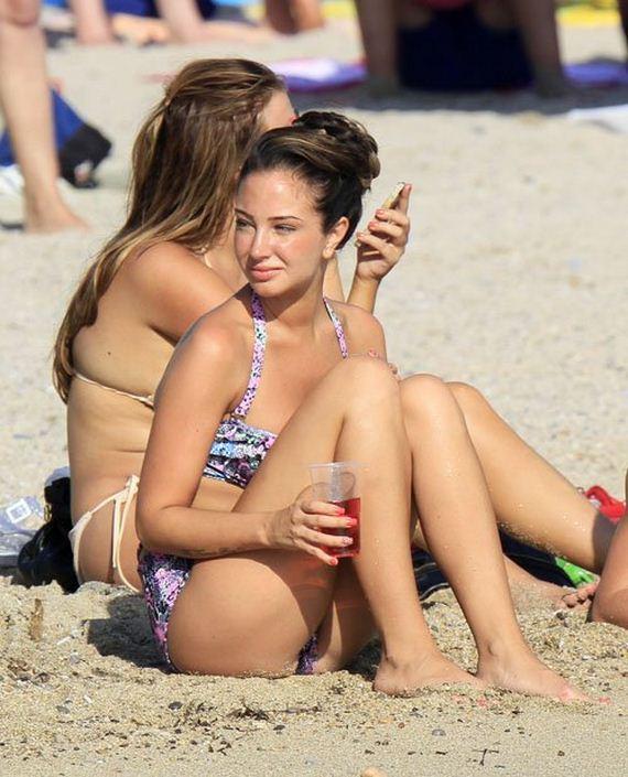Tulisa Contostavlos In Bikini On The Beach In Ibiza