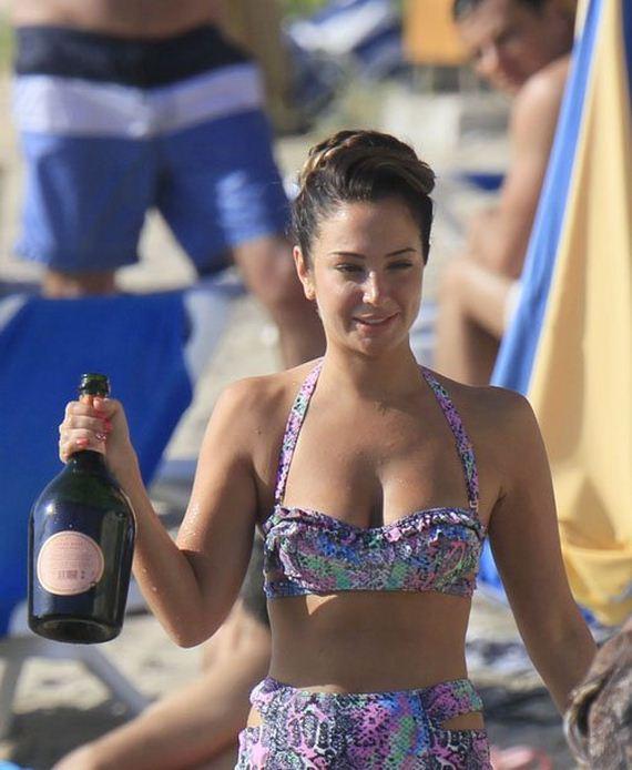 Tulisa-Contostavlos-in-Bikini-in-Ibiza
