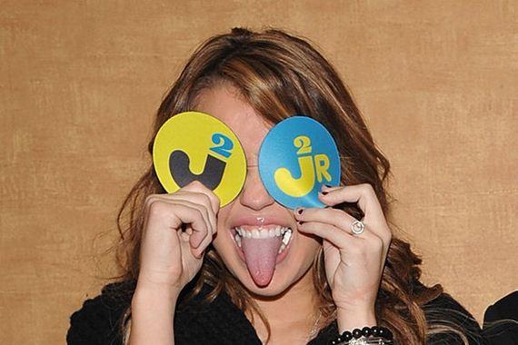 Visual-History-Miley