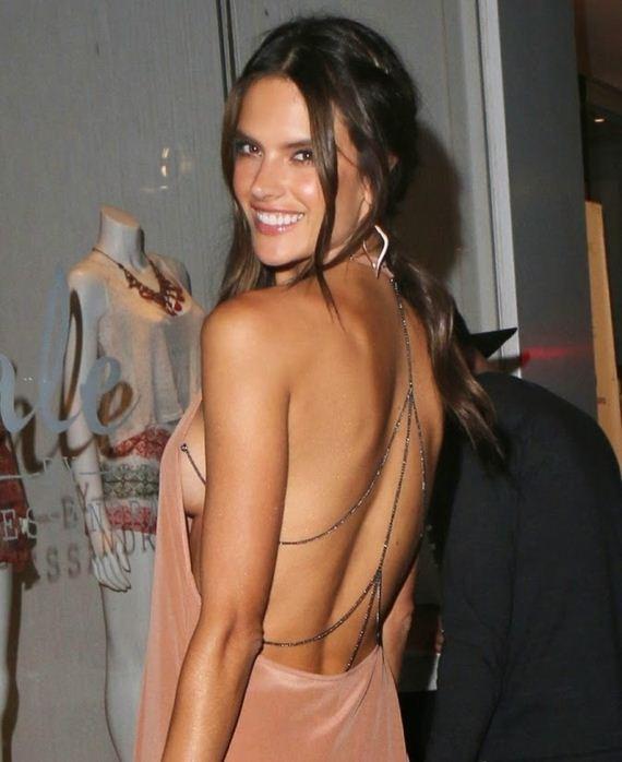 alessandra-ambrosio-side-boobs