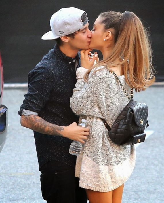 ariana-grande-and-jai-brooks-kisses