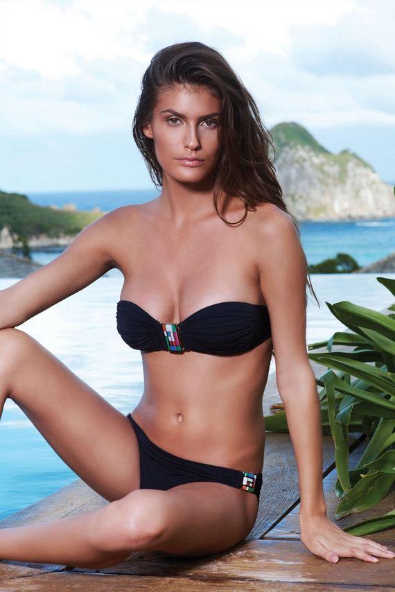 caroline-francischini-in-bikini