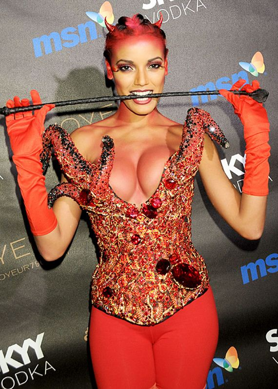 celebrity-halloween-costumes