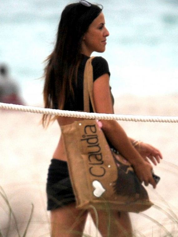 claudia_romani_beach_dec