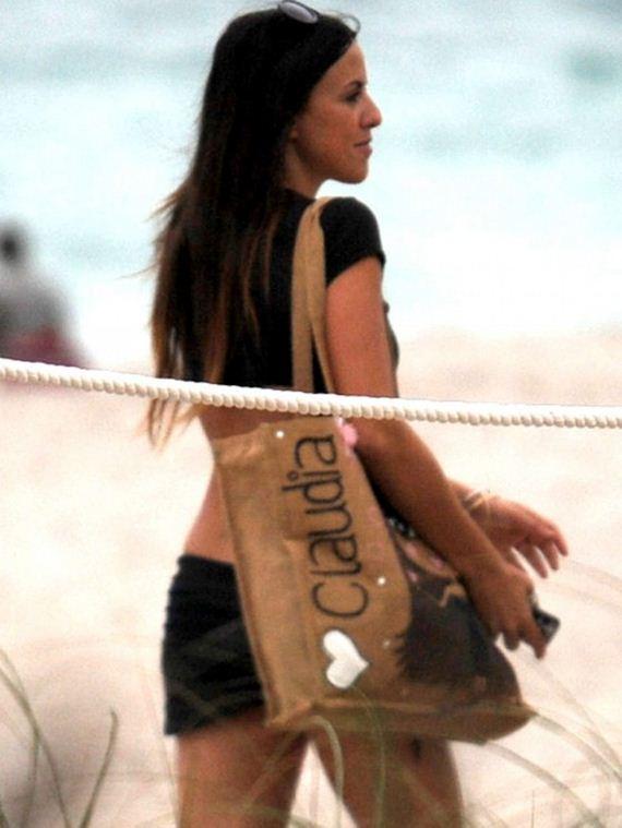 claudia_romani_beach_dec