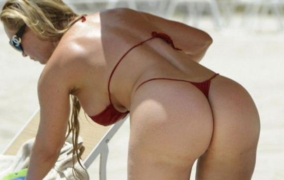 coco-red-thing-bikini-candids