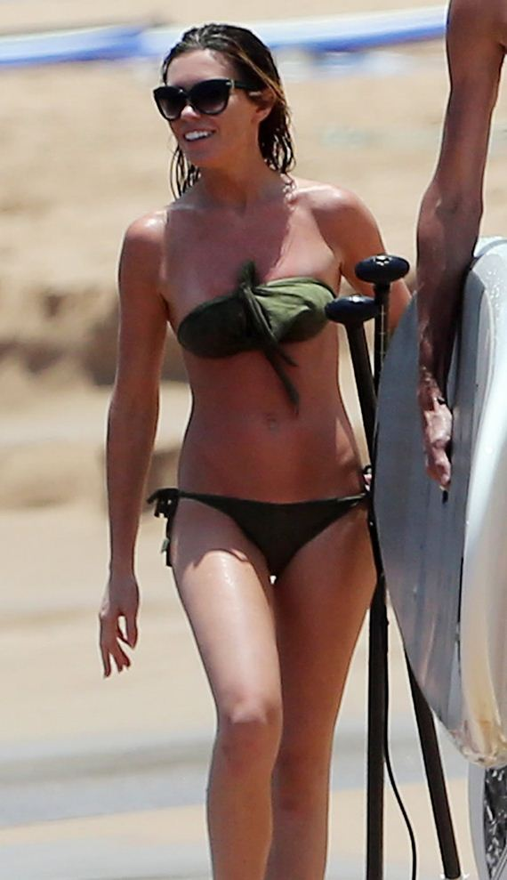 gallery_enlarged-Abbey-Clancy