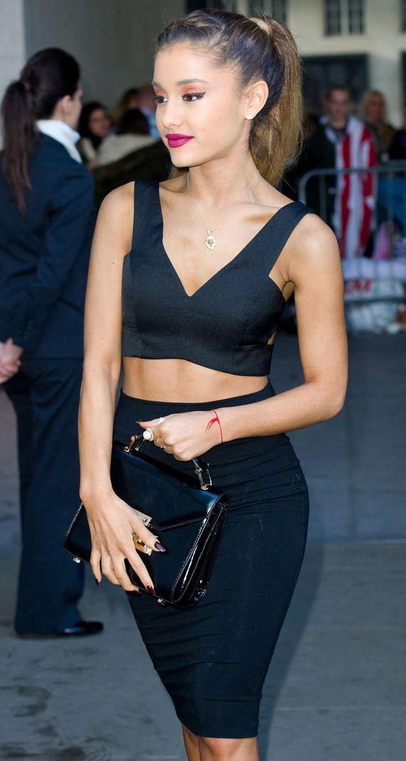 gallery_enlarged-Ariana-Grande