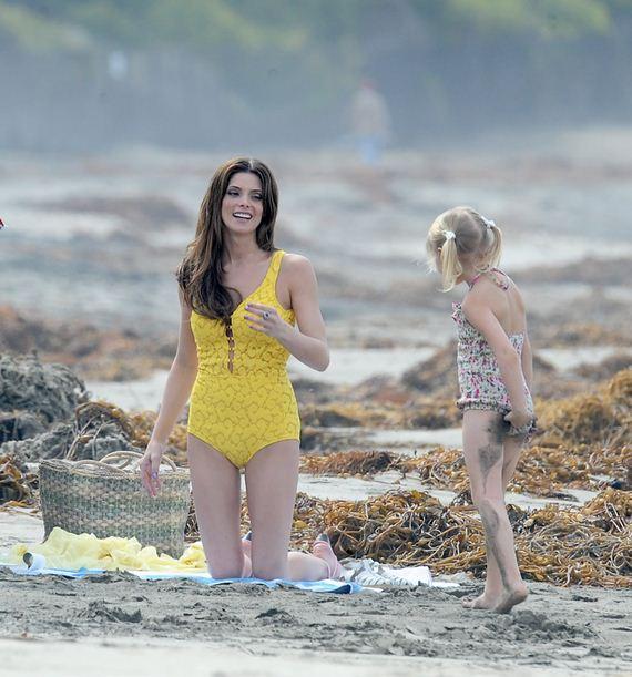 gallery_enlarged-Ashley-Greene-Yellow