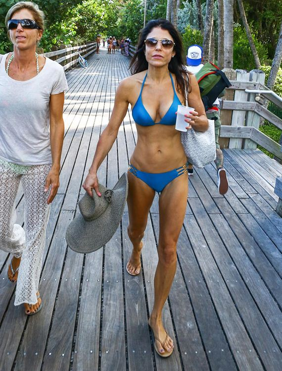 gallery_enlarged-Bethenny-Frankel-Blue-Bikini