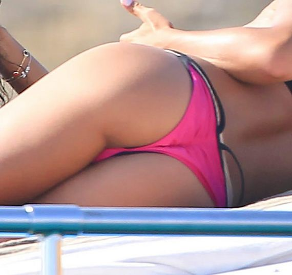 gallery_enlarged-Cassie-Bikini