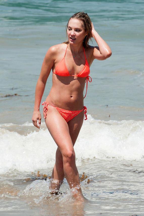 gallery_enlarged-Ciarra-Hanna-Bikini