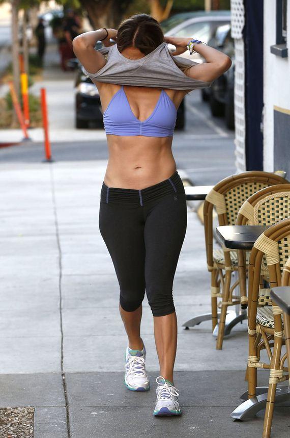 gallery_enlarged-Jennifer-Lopez-Damn